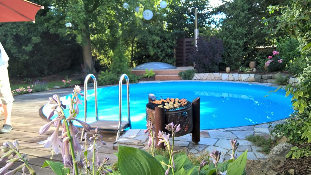Grillen am Pool